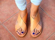 Criss Cross sandales en cuir, sandales plates, sandales grecques, cadeau pour elle, Sandales femme, sandales boho, cuir naturel, sandales à lanières