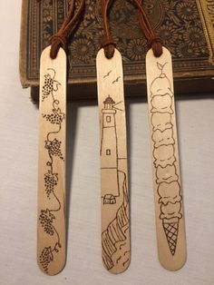 Craft Stick Crafts, Wood Crafts, Crafts For Kids, Paper Crafts, Craft Sticks, Diy Wood, Creative Bookmarks, Diy Bookmarks, Homemade Bookmarks