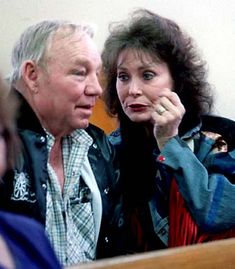 Loretta Lynn And Children Country Music Artists, Country Music Stars, Country Singers, Loretta Lynn Children, Girl Celebrities, Famous Singers, Famous Couples, Dolly Parton, Soul Music