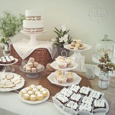 Angeles en rústico chic. | Delinés Baptism Food, Boy Baptism, Engagement Cookies, Candy Bar Party, Christening Party, Rustic Cake, Ideas Para Fiestas, Time To Celebrate, First Communion