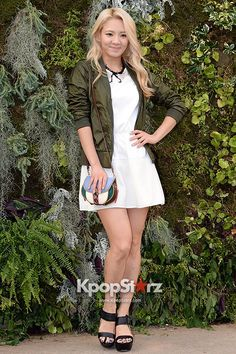 snsd hyoyeon attend kolon sport fashion show, I love that she died her hair blonde, it suits her so well!!