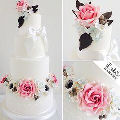 White with pink rose Sugarflower cake
