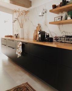 Best Indoor Garden Ideas for 2020 - Modern Home Decor Kitchen, Kitchen Interior, New Kitchen, Home Interior Design, Home Kitchens, Kitchen Ideas, White Wood Kitchens, Cuisines Design, Kitchen Remodel