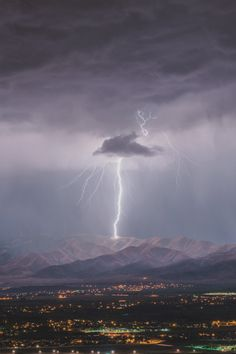 A lightning bolt strikes Lake Mountain just West of Utah Lake, taken from South Mountain Utah County, Utah tonight No Photoshop, Lightroom only. Lightning Cloud, Thunder And Lightning, Lightning Strikes, Lightning Images, Lightning Storms, All Nature, Amazing Nature, Science Nature, Tornados