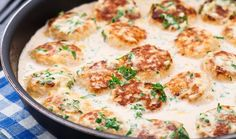 Chicken dumplings in cream sauce and cheese Queso Manchego, Manchego Cheese, Tapas Recipes, Great Recipes, Favorite Recipes, Mince Meat, Food Categories, Chicken And Dumplings, Cheese Sauce