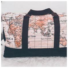 Instants Décousus sur Instagram: 🌍 Comme une envie d'évasion 🌍 Quoi de mieux qu'un nouveau sac pour accompagner un week-end en amoureux ?! * Inspiration trouvée sur…