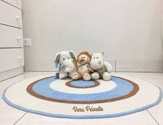 """148 curtidas, 4 comentários - Anah Ateliê (@anah_atelie) no Instagram: """"Bom dia!!! Gente olha que coisa mais linda! Da artesã @verapeixoto_atelie 😍😍 Encantada com os…"""" Kids Rugs, Instagram, Home Decor, Farmhouse Rugs, Buen Dia, Atelier, Decoration Home, Kid Friendly Rugs, Room Decor"""