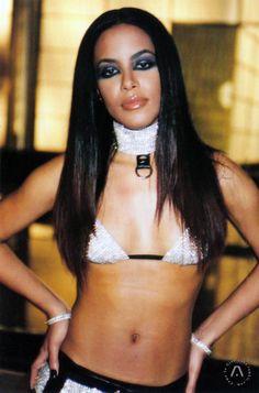 With Love: Selena, Aaliyah and Lisa : Photo