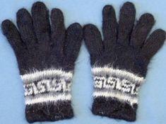 Sormikkaat   Punomo Knitting Socks, Knit Socks, Mittens, Diy And Crafts, Gloves, Winter, Fashion, Fingerless Mitts, Winter Time