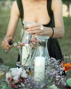 last #touches! Lighting #candles before the #guests arrive