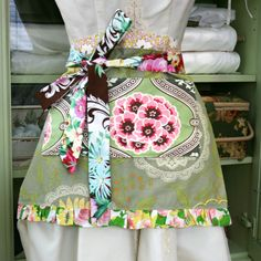 Keeping It Real Sewing: A Simple Apron Tutorial | Vintage Image Madness