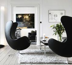 Via Seventeen Doors   Black and White   Arne Jacobsen Egg Chair