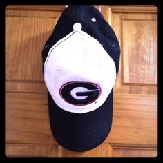 University of Georgia Adjustable Hat UGA Bulldogs Adjustable Black/White Baseball Cap! The Game Accessories Hats