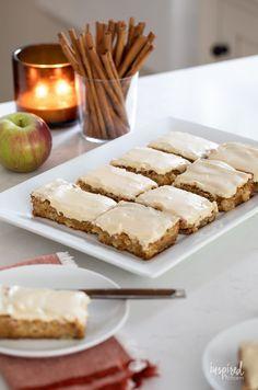 Delicious Maple Apple Blondies #dessert #recipe #maple #apple #blondies #fallbaking #bars