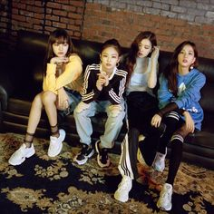 Your source of news on YG's biggest girl group, BLACKPINK! Kim Jennie, Jenny Kim, Blackpink Concert, Coachella, Yg Groups, Korean Fashion Kpop, Black Pink, Blackpink Funny, Big Bang