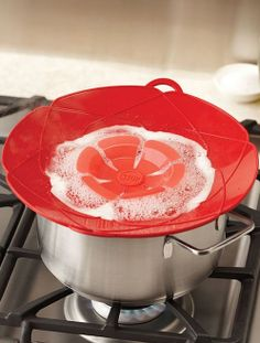 Spill stopper // heat-proof silicone, kitchen innovation!