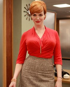 Joan Holloway (Christina Hendricks) in Mad Men Christina Hendricks, Mad Men Fashion, Fashion Beauty, Trendy Fashion, Womens Fashion, Fashion Styles, Girl Fashion, Fashion Check, Fashion Fashion