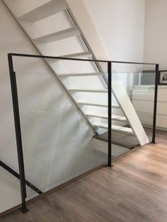 railing in steel and glass