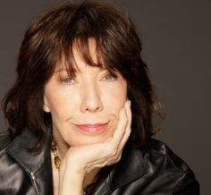 Lily Tomlin was born in Detroit, Michigan. She is a 1957 graduate of Cass Technical High School and attended Wayne State University where her interest in the theater and performing arts began. After college, Tomlin began doing stand-up comedy in nightclubs in Detroit and later in New York City.   #famous #celebrities #women