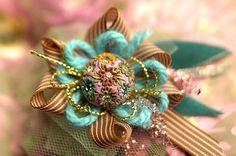 vintage brooch jewelry