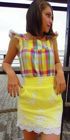 Blusa Acácia R$35,00 + Saia Amarelinha R$50,00 www.pequenasdivas.com.br