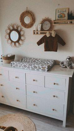 Baby Nursery Decor, Baby Bedroom, Baby Decor, Nursery Room, Baby Changing Station, Baby Changing Table, Changing Table Organization, Baby Zimmer, Baby Kind