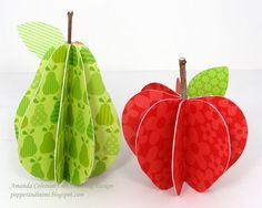 Popper and Mimi: Paper Fruit in a Basket Art For Kids, Crafts For Kids, Arts And Crafts, Deco Fruit, Paper Fruit, 3d Templates, Fruit Crafts, Paper Toy, Apple Theme