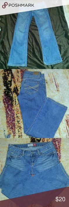 I'm ALL legs! Aeropostale Chelsea Skinny Bootcut jeans 1% lycra. 5Short Aeropostale Jeans Skinny