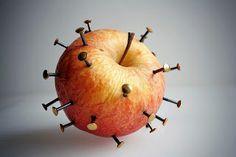 Hai bisogno di ferro..! c'è la mela chiodata