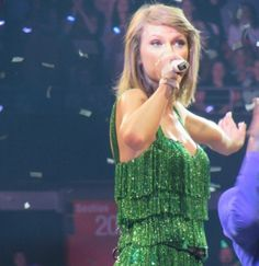 Taylor performing Shake It Off during the 1989 World Tour in Louisville tonight 6.2.15