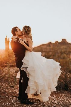 The rich color palette in this Desert Botanical Garden wedding will give you major heart eyes. Jonnie and Garrett photographed the elegant desert wedding.