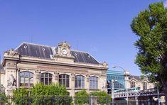 The six grand train stations in Paris capture the nostalgic romance of travel. Here's our guide to Paris' main train stations. Old Train Station, Train Stations, Paris Summer, Trains, Montpellier, Disneyland Paris, Paris France, Villa, France