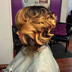 Lovely short side bob with highlights. #colorcrush #ihearthair #ihearthairinc  www.ihearthairinc.com
