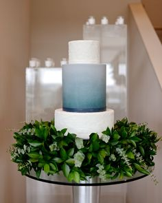 If you're a color-loving bride- or groom-to-be, put ombré wedding cakes on your radar. Both subtle enough for the minimalist, and bright enough for the color enthusiast, these ombré confections are as pretty as wedding cakes come. Peacock Wedding Cake, Floral Wedding Cakes, Unique Wedding Cakes, Wedding Cake Designs, Wedding Cake Toppers, Wedding Ideas, Wedding Details, Wedding Decorations, Wedding Inspiration