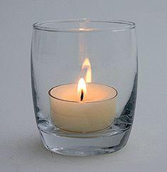 Photophore verre en forme de tonnelet - Sobre mais très utile et efficace, ce photophore illuminera vos centres de tables ! http://www.mariage.fr/shop/le-lot-de-6-mini-photophores-en-verre-tonnelet-luxe-mariage-bougies-decoratives.htm
