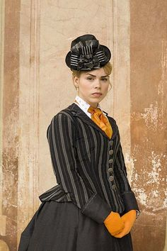 The Shadow in the North - Sally Lockhart/ Billie Piper - fabulous outfit! Victorian Costume, Steampunk Costume, Steampunk Fashion, Victorian Fashion, Period Movies, Period Dramas, Character Inspiration, Style Inspiration, Billie Piper