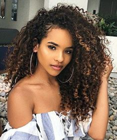 Curly Hairstyles Dating The Narcissistic Woman: 5 Traits of a Narcissist Schönes, schwarzes Haar, Ebenholz Dyed Curly Hair, Colored Curly Hair, Dyed Natural Hair, Curly Hair Tips, Black Curly Hair, Long Curly Hair, Curly Hair Styles, Natural Hair Styles, 3c Hair
