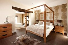 Bedroom & Ensuite.  5 bedroom country house for sale Salford  Guide Price £1,750,000