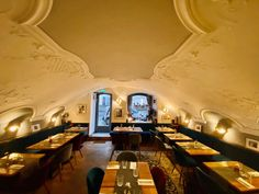 Sto bene - Restaurant Salzburg | Italian cuisine near me | Book now Outside Seating, Outdoor Seating Areas, Restaurant Names, Sunny Afternoon, Top Restaurants, Take A Seat, Salzburg, Tasty Dishes