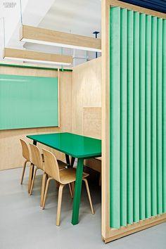 Masquespacio Renovates a Language Center near Barcelona | Masquespacio paired…