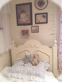 I bought a lovely vintage teddy today, he's called Nathaniel, the bunny is called mummy rabbit and I've had her since I was a baby 🎀 My New Room, My Room, Shabby Chic Antiques, Vintage Room, Aesthetic Rooms, Cozy Cottage, Dream Rooms, Bedroom Inspo, House Rooms