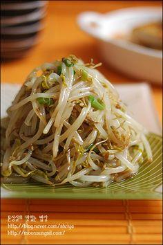 숙주가 느무 좋아~~~숙주볶음~~ Home Recipes, Asian Recipes, Cooking Recipes, Ethnic Recipes, Korean Dishes, Korean Food, K Food, Love Food, Vegetable Seasoning