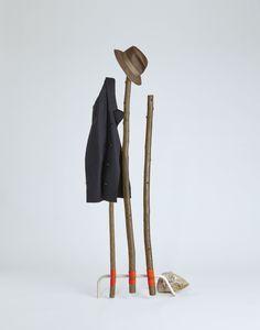 Sovrappensiero Design Studio est né à Milan en 2007 d'une collaboration entre deux créatifs Lorenzo De Rosa et Ernesto Ladevaia. Entre recherches et produc