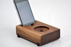 koostick-iphone-speaker-carved-wood