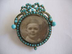 ANTIQUE VICTORIAN TURQUOISE PICTURE BROOCH. WOW.