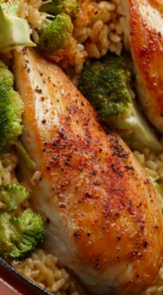 15-Minute Chicken & Rice Dinner ~ It's got chicken, broccoli and rice in a creamy sauce, and it's on the table in a snap.