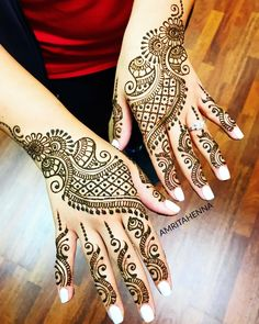 Check the latest mehndi designs 2020 simple and easy for hands, we have collected the most beautiful and decent henna design for hand, you never seen before