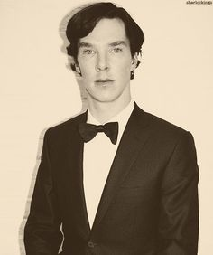 Benedict Cumberbatch. Not really sure which eye to look at though... Doesn't matter, they're both pretty.