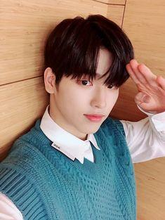 #1THE9 #SEUNGHWAN Jin, Seung Hwan, Kpop Groups, Dancer, Archive, Dancers, Gin