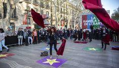 Buenas noticias para el Día del Teatro: el público aumenta un 9 % en Cataluña | Cataluña | EL PAÍS Officiel, Santa Monica, Barcelona, Workshop, Fun, Drama School, Clowns, Create, News